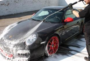 Как правильно мыть автомобиль